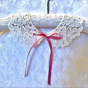 Baby Ivory Lace Collar, Photo Prop, New